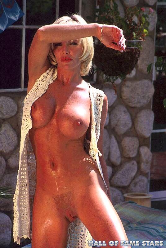 Elizabeth Berkley Nude Showgirls