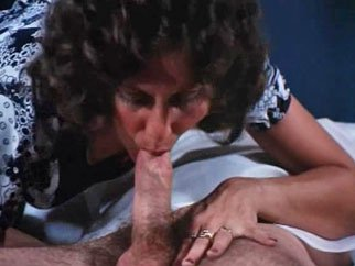 Linda Lovelace gives world famous deepthroat from Pornstar Legends